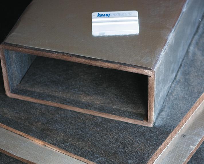 Los paneles rígidos Climacoustic, son conductos autoportantes de Lana Mineral con recubrimiento de aluminio