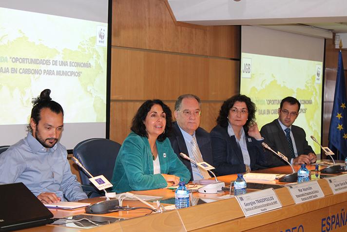 """Integrantes de la Mesa de la Jornada """"Oportunidades de una economía baja en carbono para municipios"""""""