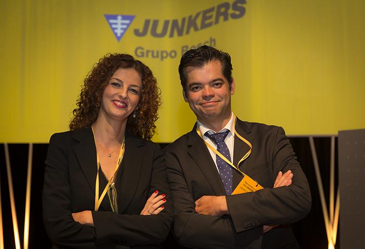 Vicente Gallardo, director de ventas de Bosch Termotecnia, y Alicia Escudero, Directora de Marketing