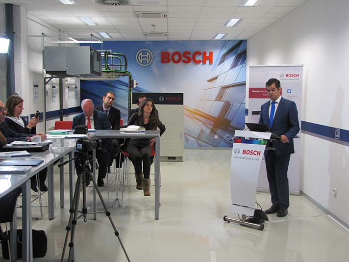 Vicente Gallardo, Director de Ventas de Bosch Termotecnia, durante la presentación