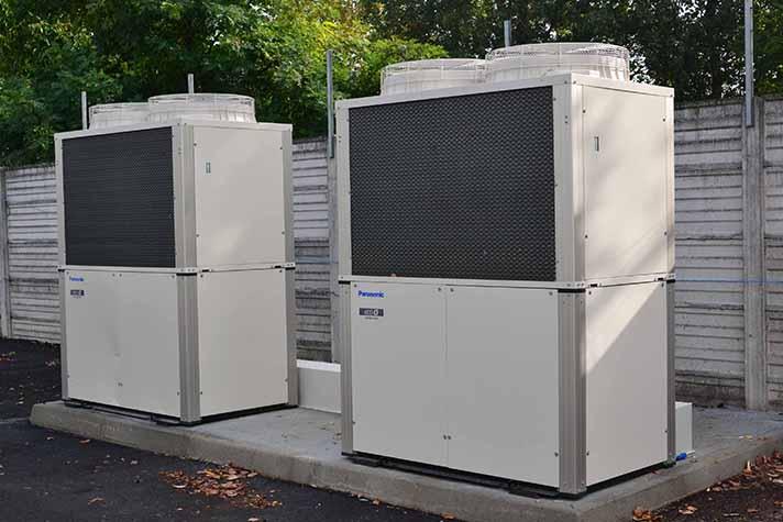 La instalación de climatización del edificio se basa en sistemas de climatización VRF con motor accionado a gas de Panasonic, ECO-G, por su flexibilidad y eficiencia energética
