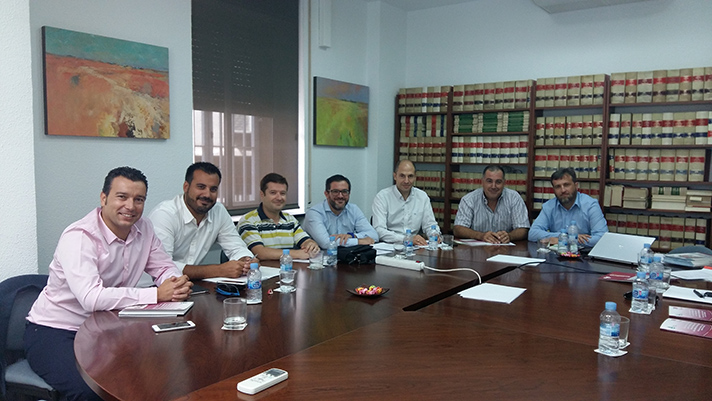 Los miembros de la nueva comisión de suelo radiante de Fegeca