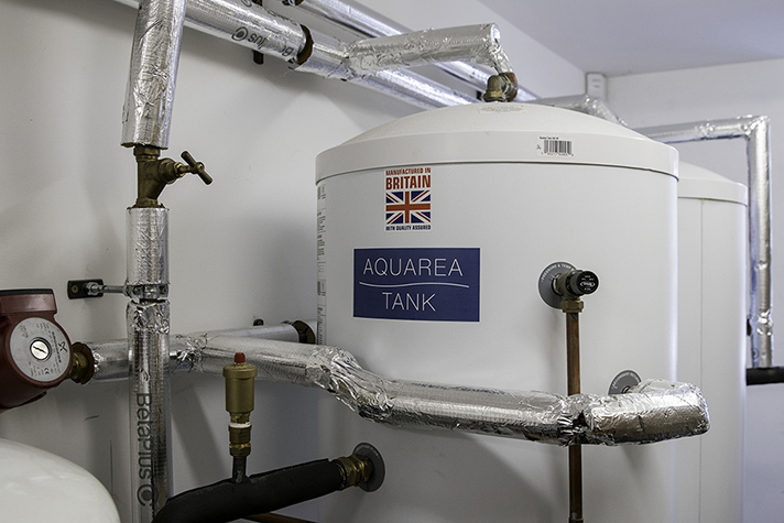 El proyecto incorpora un sistema Aquarea, una  bomba de calor aire-agua de máxima eficiencia energética