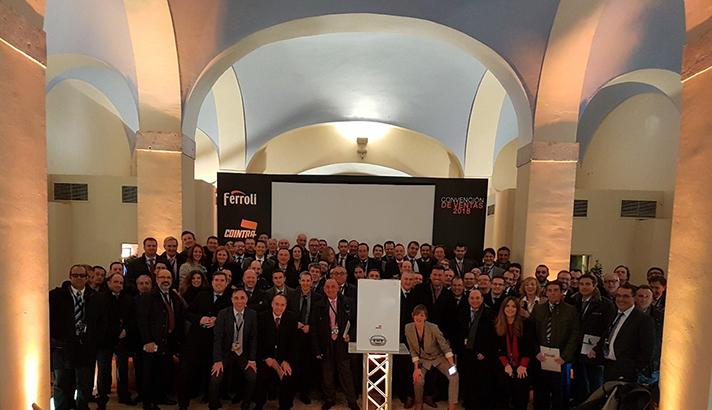 El equipo comercial de Ferroli y de las marcas de Cointra y Lamborghini, presente en el encuentro