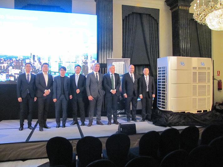 Todo el equipo de Frigicoll y Midea, en la presentación de la nueva generación VRF Midea V6