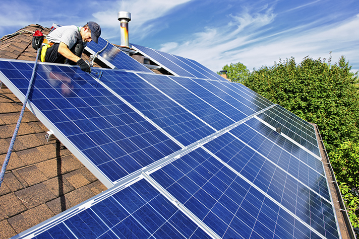 La derogación del 'impuesto al sol' por parte del Gobierno español abre las puertas a un nuevo escenario energético más económico, justo y sostenible