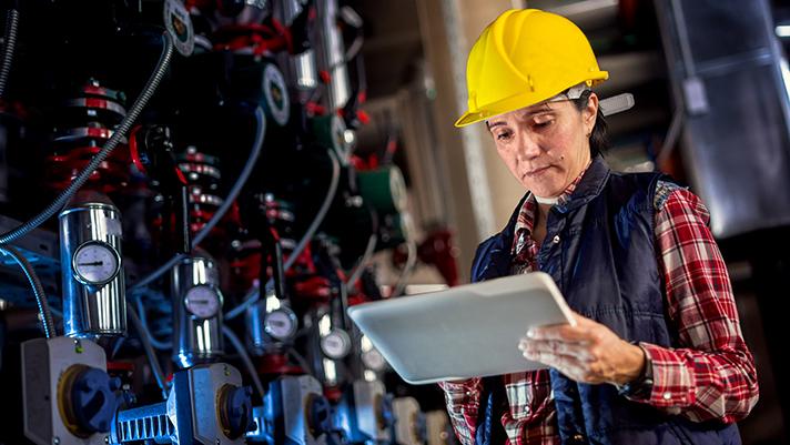 IFS desarrolla su propio software de negocio para clientes de todo el mundo que fabrican y distribuyen bienes, mantienen activos y gestionan operaciones basadas en servicios