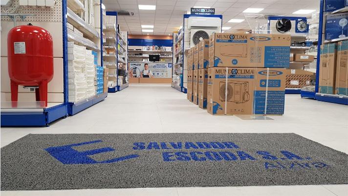 Alzira es la primera EscodaStore del grupo y ofrece entre otras cosas el cuádruple de superficie de tienda