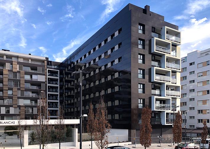 El edificio cuenta con ventilación con recuperación de calor Zehnder Comfoair 160 Luxe