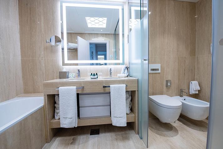 Foto del baño Geberit en el Gran Hotel Miramar 5* GL, en Málaga